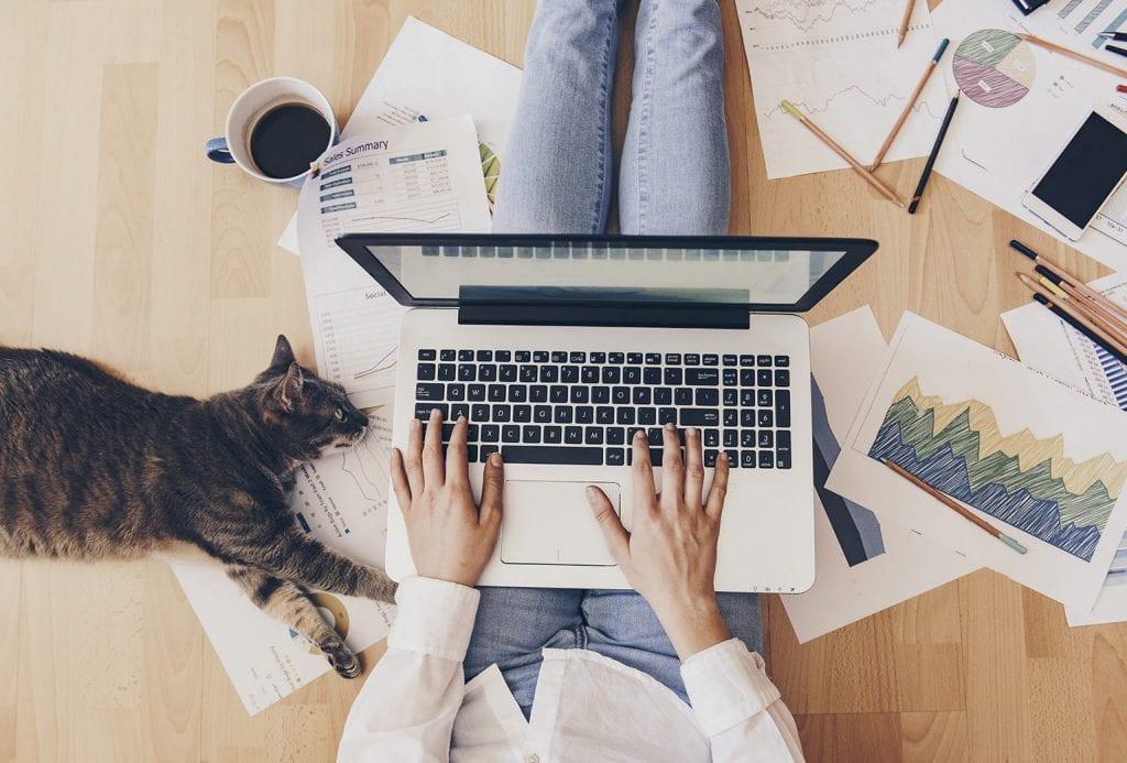 online thuis werken, laptop, school, sollicitaties